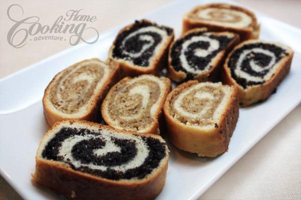 Mouthwatering Poppy Seed and Walnut Rolls